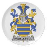 Escudo de la familia de McCoyle Plato Para Fiesta