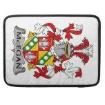 Escudo de la familia de McEgan Funda Para Macbook Pro
