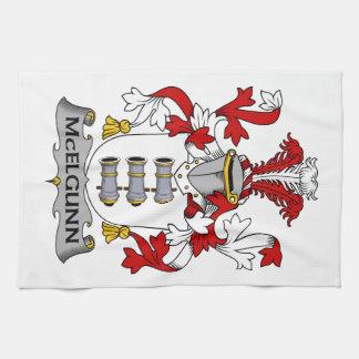 Escudo de la familia de McElgunn Toalla De Mano