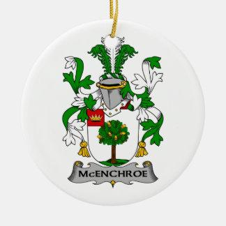 Escudo de la familia de McEnchroe Ornamentos Para Reyes Magos