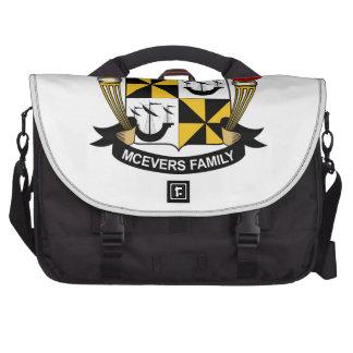 Escudo de la familia de McEvers Bolsas Para Ordenador