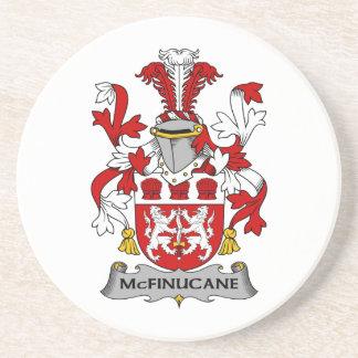 Escudo de la familia de McFinucane Posavasos Cerveza