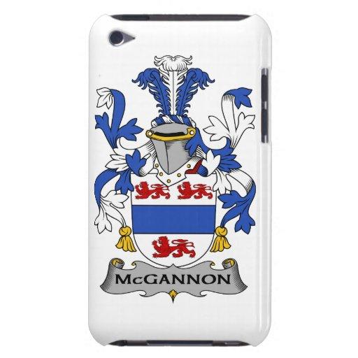 Escudo de la familia de McGannon iPod Case-Mate Carcasas