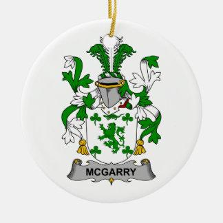 Escudo de la familia de McGarry Ornamento Para Reyes Magos