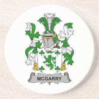 Escudo de la familia de McGarry Posavasos Diseño