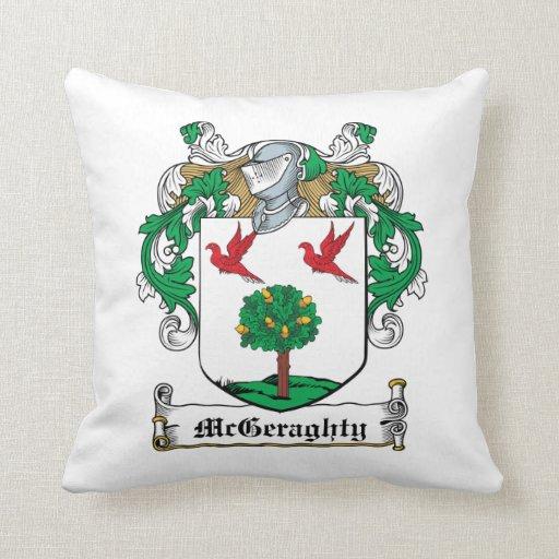 Escudo de la familia de McGeraghty Almohadas