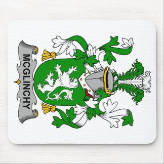 Escudo de la familia de McGlinchy Alfombrillas De Raton