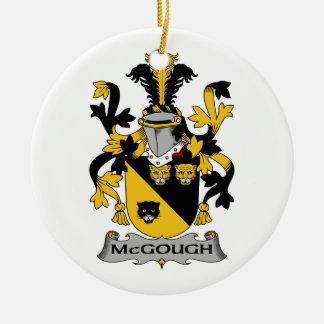 Escudo de la familia de McGough Ornamento Para Arbol De Navidad