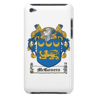 Escudo de la familia de McGovern iPod Case-Mate Fundas