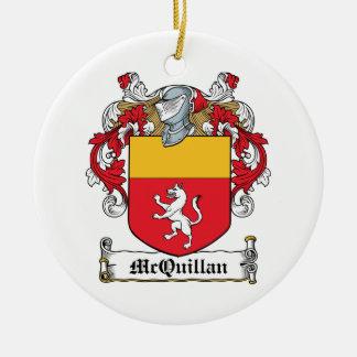 Escudo de la familia de McQuillan Adorno Navideño Redondo De Cerámica