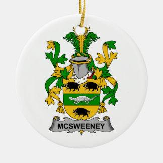 Escudo de la familia de McSweeney Ornaments Para Arbol De Navidad