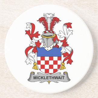 Escudo de la familia de Micklethwait Posavasos Diseño