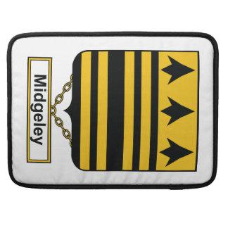Escudo de la familia de Midgeley Fundas Para Macbooks