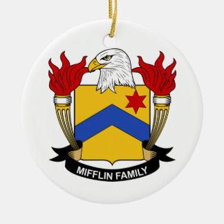 Escudo de la familia de Mifflin Adorno Navideño Redondo De Cerámica