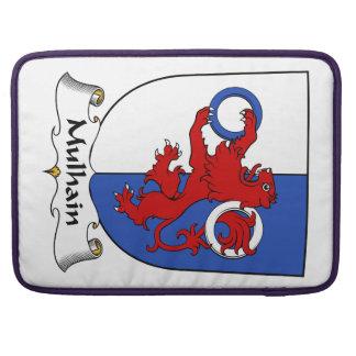 Escudo de la familia de Mulhain Funda Macbook Pro