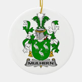 Escudo de la familia de Mulhern Adorno Navideño Redondo De Cerámica