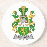 Escudo de la familia de Mullady Posavasos Para Bebidas