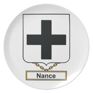 Escudo de la familia de Nance Plato Para Fiesta