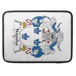 Escudo de la familia de Napoles Fundas Macbook Pro