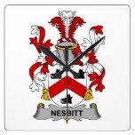 Escudo de la familia de Nesbitt Reloj De Pared