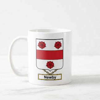 Escudo de la familia de Newby Tazas De Café