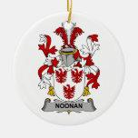 Escudo de la familia de Noonan Adorno Redondo De Cerámica