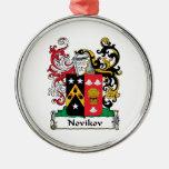 Escudo de la familia de Novikov Adorno De Reyes
