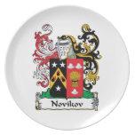 Escudo de la familia de Novikov Platos