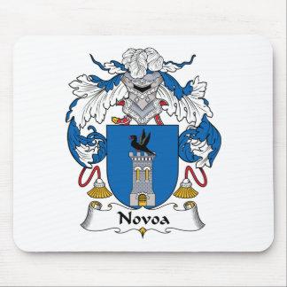Escudo de la familia de Novoa Alfombrillas De Ratones