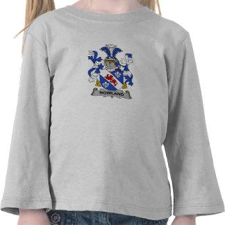 Escudo de la familia de Nowland Camisetas