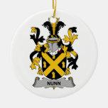 Escudo de la familia de Nunn Adornos De Navidad