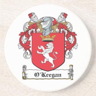 Escudo de la familia de O Keegan Posavaso Para Bebida