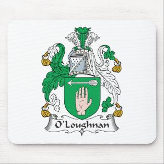 Escudo de la familia de O Loughnan Alfombrillas De Ratones