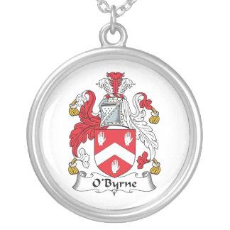 Escudo de la familia de O'Byrne Colgantes Personalizados
