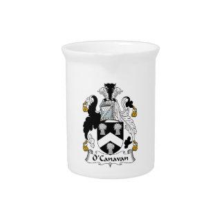 Escudo de la familia de O'Canavan Jarras Para Bebida