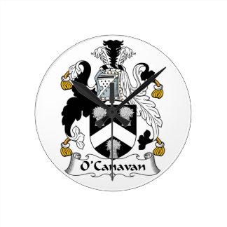 Escudo de la familia de O'Canavan Reloj De Pared