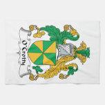 Escudo de la familia de O'Crotty Toalla De Mano