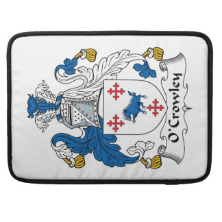 Escudo de la familia de O'Crowley Fundas Para Macbook Pro