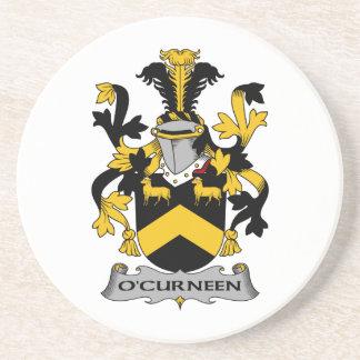 Escudo de la familia de O'Curneen Posavaso Para Bebida