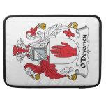 Escudo de la familia de O'Devaney Funda Para Macbook Pro