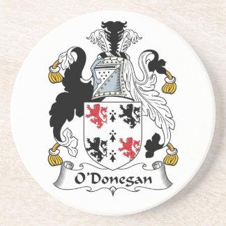 Escudo de la familia de O'Donegan Posavaso Para Bebida