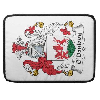 Escudo de la familia de O'Donlevy Fundas Para Macbook Pro