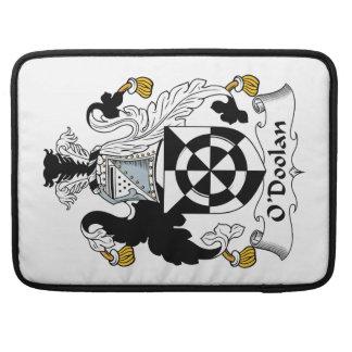 Escudo de la familia de O'Doolan Funda Para Macbook Pro