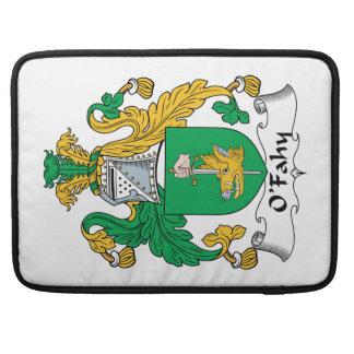 Escudo de la familia de O'Fahy Fundas Para Macbooks