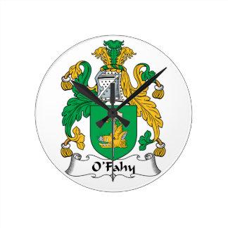 Escudo de la familia de O'Fahy Relojes De Pared