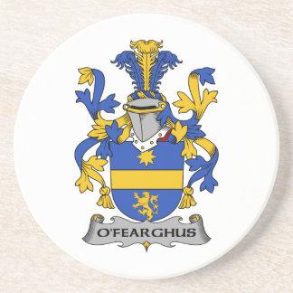 Escudo de la familia de O'Fearghus Posavasos Para Bebidas