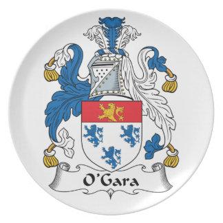 Escudo de la familia de O'Gara Plato Para Fiesta