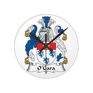 Escudo de la familia de O'Gara Reloj Redondo Mediano