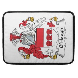 Escudo de la familia de O'Hough Fundas Para Macbook Pro