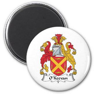 Escudo de la familia de O'Keevan Imán Redondo 5 Cm